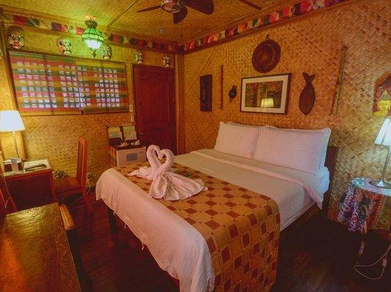 Puerto Pension Inn: DELUXE B ROOM
