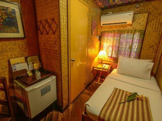 Puerto Pension Inn: DELUXE SINGLE ROOM
