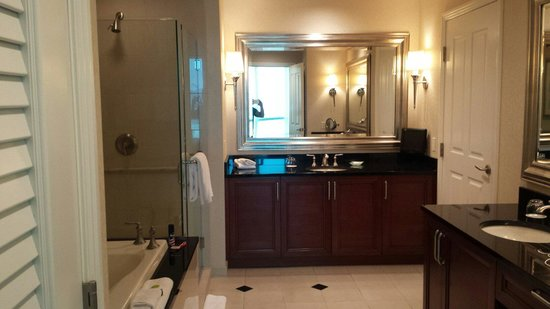 Signature at MGM Grand : One bedroom balcony suite- master bath. great deep jetted tub! Separate vanities.