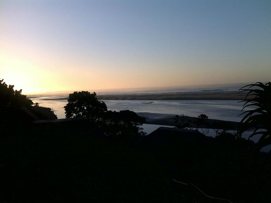Umngazi River Bungalows & Spa: Dawn