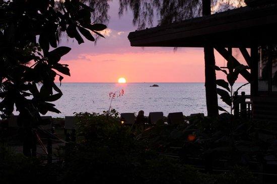 Moracea by Khao Lak Resort : Закат - вид из номера