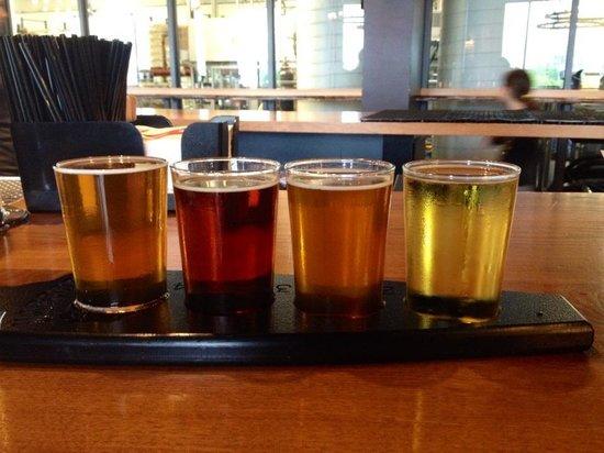 Harpoon Brewery & Beer Hall: specialty flight