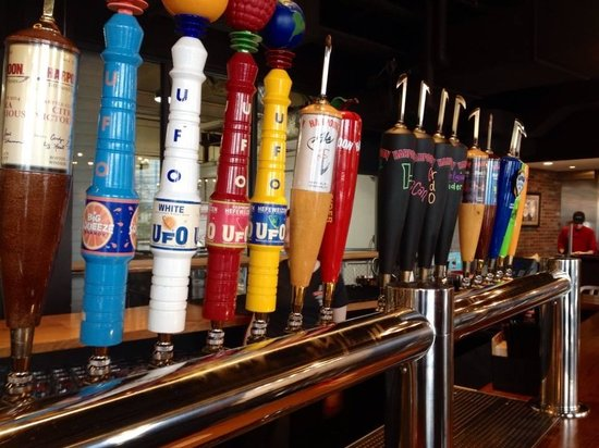 Harpoon Brewery & Beer Hall: selection in the beer hall