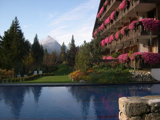 Wellness & Spa Hotel Ermitage: hôtel, piscine et monagnes