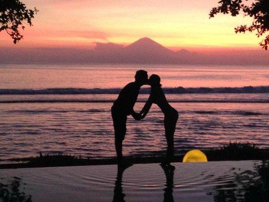 Jeeva Klui Resort: Happy Couple