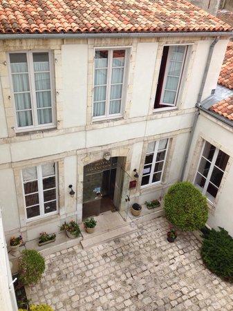 Hôtel François 1er Urban Style : Front doorway