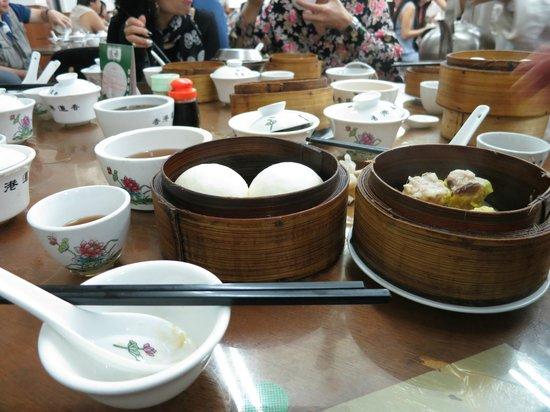 Lin Heung Tea House: Lotus Seed buns