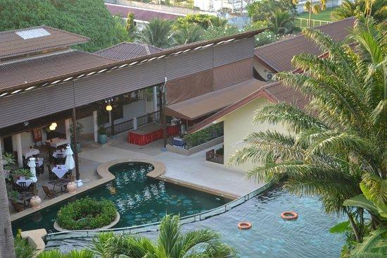 Karona Resort & Spa: Территория, вид с балкона