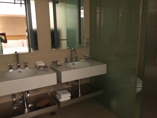Lotte Hotel Seoul : Bathroom