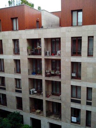 Paradise Apartments: внутренний двор