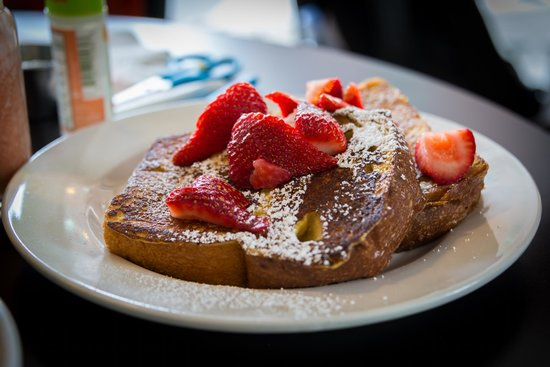 French toast with strawberries...yummy!