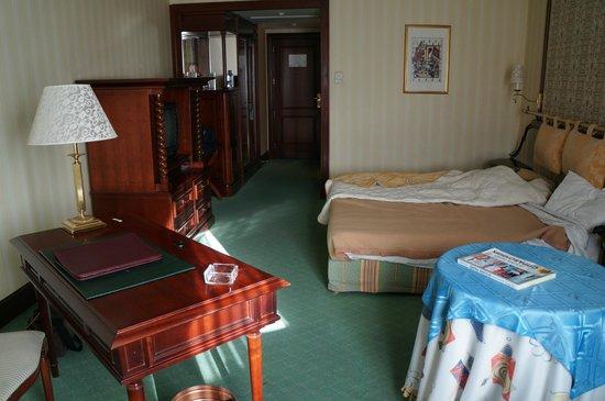 City Palace Hotel : Une chambre