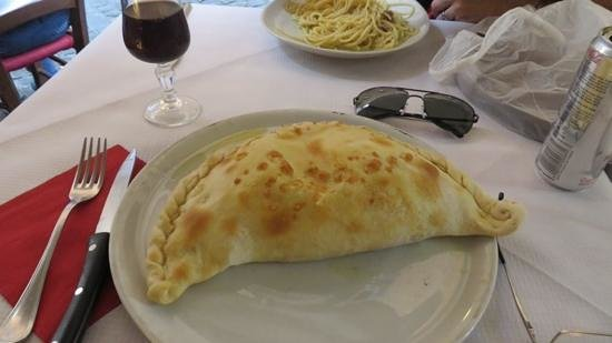 Ristorante Il Fico: This is the calzone clasico. Quite impressive looking and it tasted great. Ham and cheese.