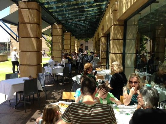 Art Gallery Food + Wine: Lunch on the Terrace