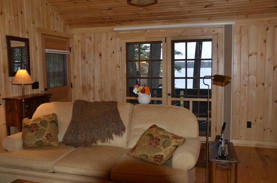 Migis Lodge: French doors with view from Daybreak living area