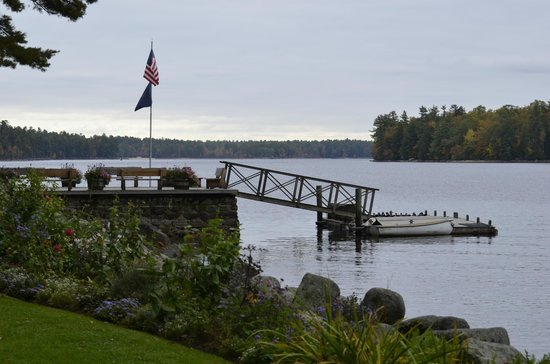 Migis Lodge: Main Dock