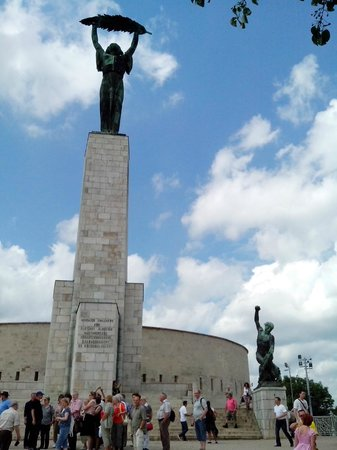 Citadel: памятник наверху