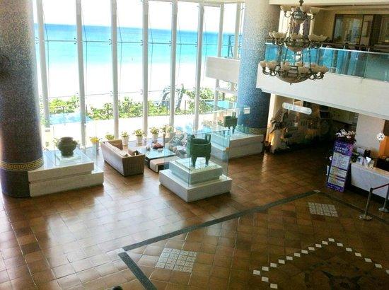 Chateau Beach Resort : 大廳