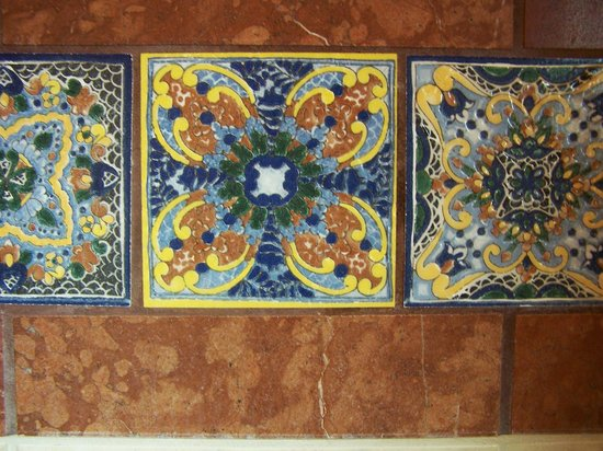 Hacienda Del Sol Guest Ranch Resort : Love the spanish tile