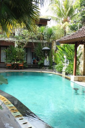 Lumbung Sari Cottages: Looking across the pool to room #89