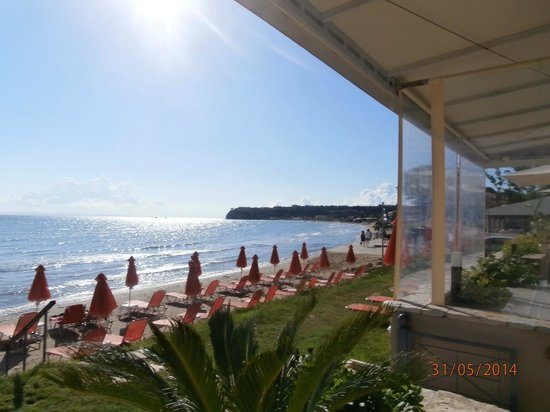 Al Mare Beach Hotel: View from dining area