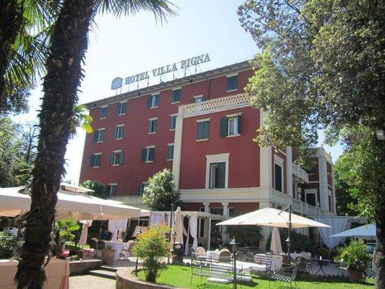 Hotel Villa Pigna: vista dal giardino