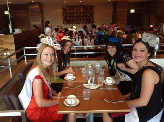 Maldron Hotel Portlaoise: 2014 Roses of Tralee having lunch in thpe Hote