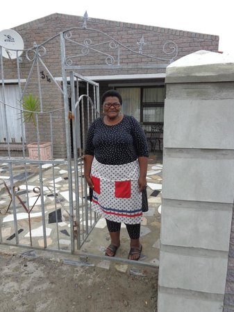 Vamos Township Tours: Local woman bids us farewell