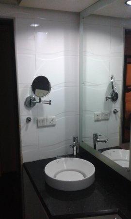 Hotel Fidalgo: clean toilets