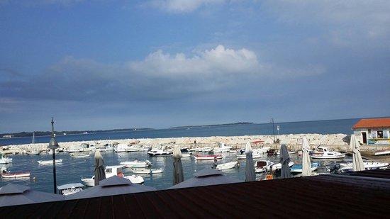 فندق مارينا - مطعم: Fazana Hotel Marina Veiw Harbour