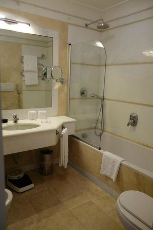 Grand Hotel Continental: great bathroom