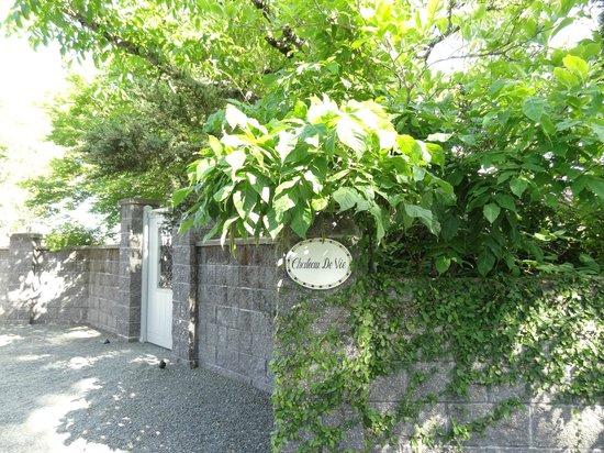 Chateau de Vie: outdoor entrance