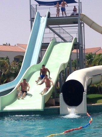 Reef Oasis Blue Bay Resort: Fun on the slides