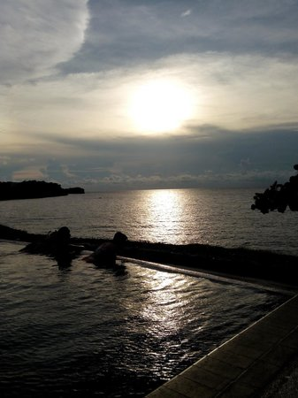 Club Punta Fuego : amazng sunset at infinity pool