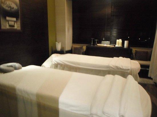 Sofitel Philippine Plaza Manila: Orion Spa room