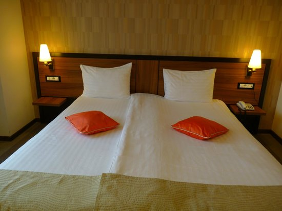 Europa Royale Bucharest: comfy bed