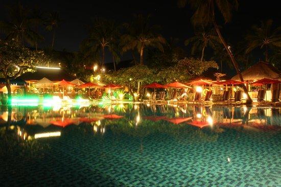 Nusa Dua Beach Hotel & Spa: Main Pool