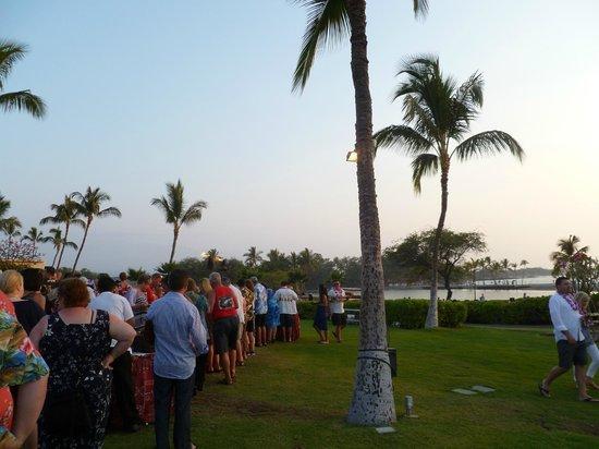 Sunset Luau at the Waikoloa Beach Marriott : Food fun festivities
