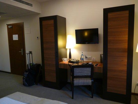 Europa Royale Bucharest: my room