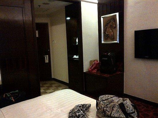 Hotel Taipa Square: Room