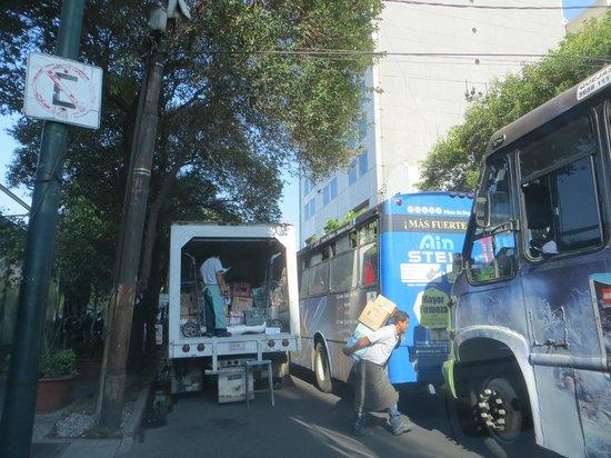 Wyndham Garden Mexico City Polanco : View across the street
