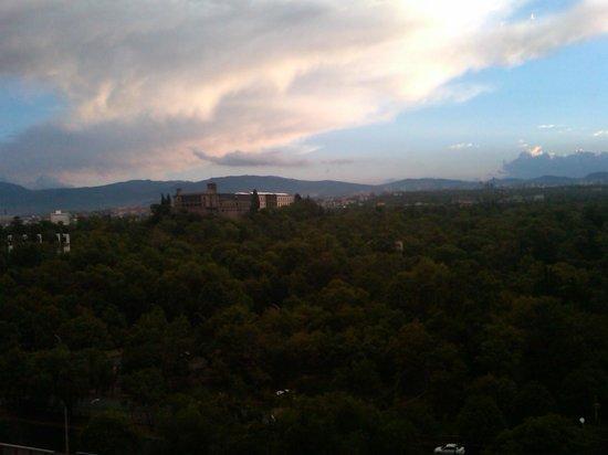 Wyndham Garden Mexico City Polanco : View to Chapultepec Castle