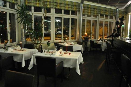 Opera Prima : Restaurant