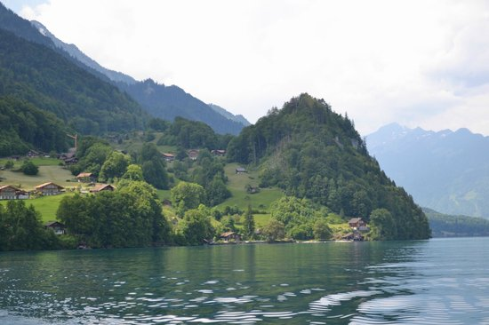 Lake Brienz: Lakeside community