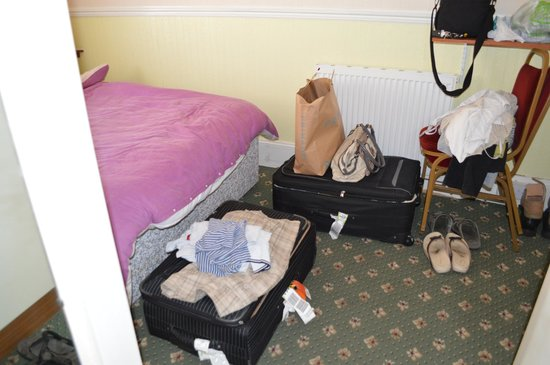 The Sea Princess: Bedroom Space for suitcases