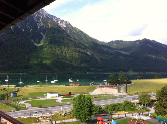 Kinderhotel Buchau: Ausblick auf den See und Bärenkopf