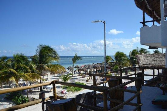 Hotel El Caballo Blanco: vista del hotel habitaciones que dan a la playa...