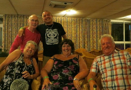 MedPlaya Hotel Riudor: Ray, me, Jackie, Carol and Dave last ones in the bar again!