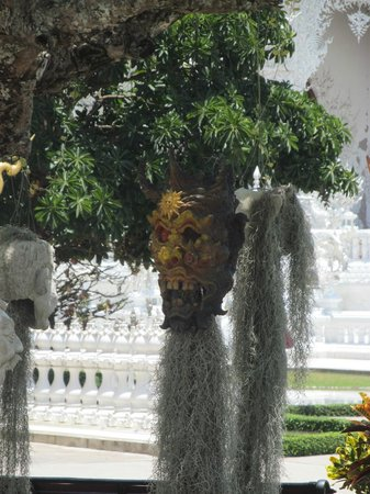 Wat Rong Khun : Another demon head in the trees
