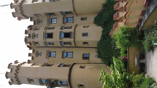 Schloss Hohenschwangau: you get to go on these 2 floors with the open windows
